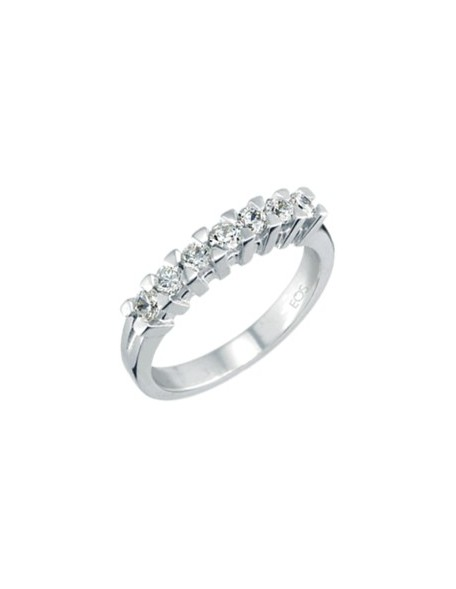 Band Ring with diamonds